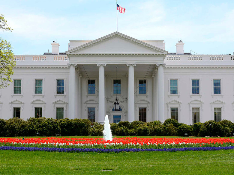 the white house north lawn plus fountain and flowers credit stephen melkisethian flickr user stephenmelkisethian